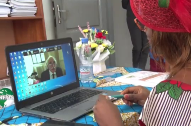 Collegamento a Cameroun - online graduation discussions during covid19 emergency