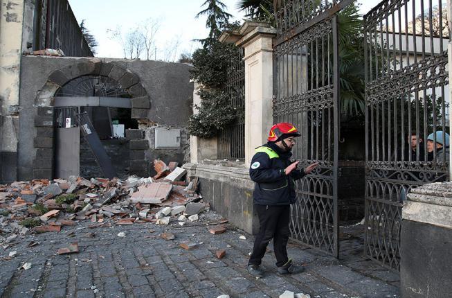 Collegamento a L'Italia e le sue fragili infrastrutture